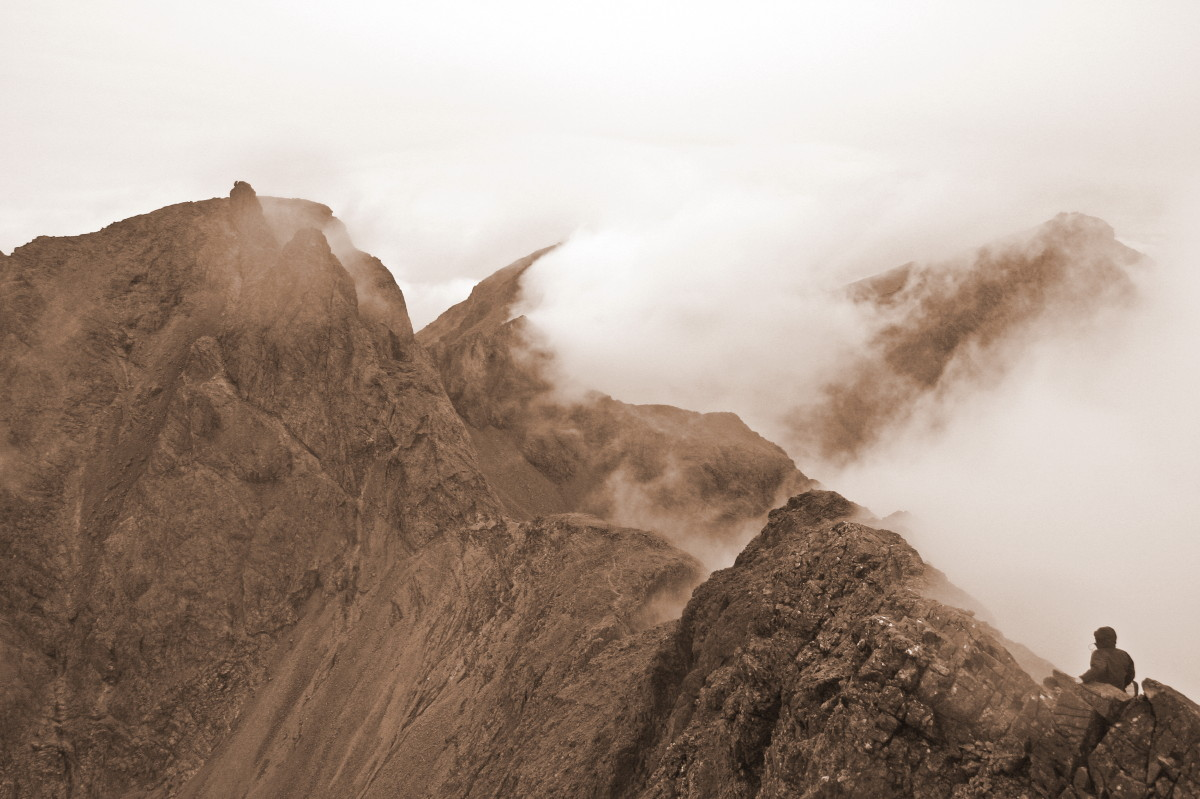 Photo of a view from the summit ridge of Sgurr Mhic Choinnich back to the Inaccessible Pinnacle and Sgurr Dearg (climbed earlier in the day).