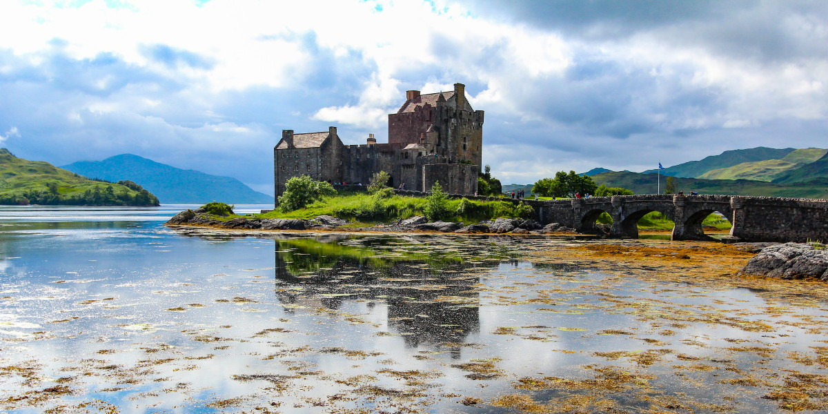 Photo of the iconic Eilean Donan Castle on Loch Duich